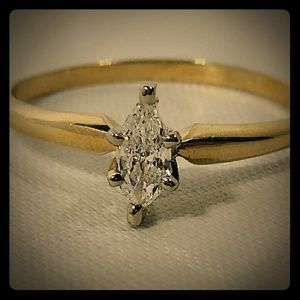 Jewelry - 10kt Yellow Gold Solitaire with 1/4ct Marquise Dia